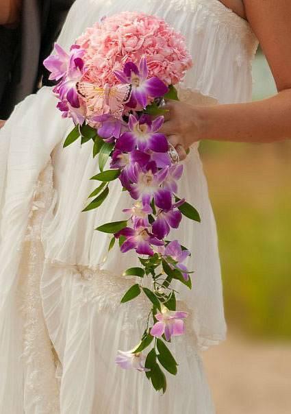 Красивый букет из орхидей